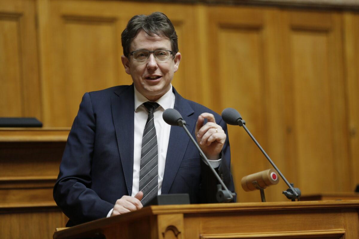 Albert Rösti bleibt bis auf weiteres SVP-Präsident